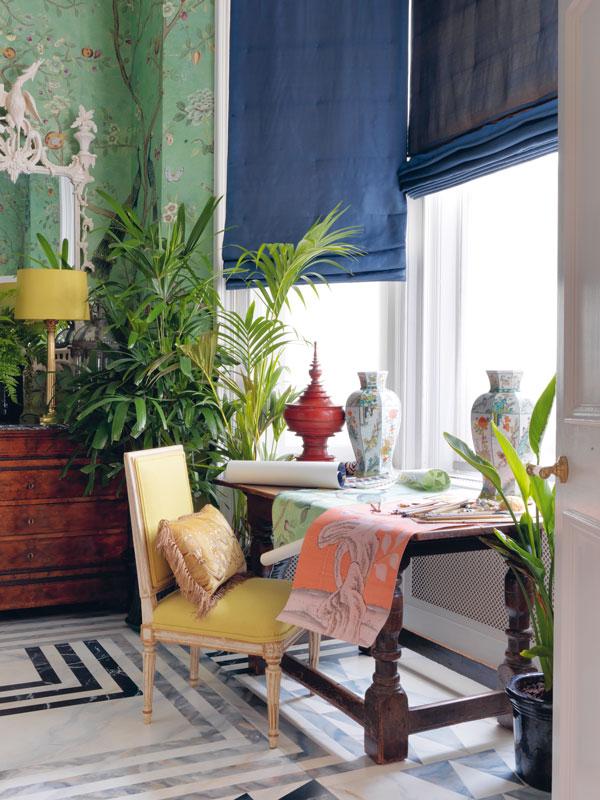 degournay-hannah-rachel-gurney-homestory-tapeten-wallpapers-homeoffice-blackwhitefloor-decohome.de_